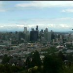 Starting to see the clouds break apart...blue skies on the way, #Seattle! #MemorialDay sunny redemption on deck. https://t.co/rDV3Fm6QNv