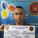 En la FOTO, sujeto capturado por el #CICPC a quien se le incautó el arma robada del M/G Félix Velázquez https://t.co/2ICep7WsjC