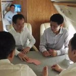 """On a private jet, Chinas richest man/property baron Wang Jianlin ironically plays """"fight the landlord"""" card game. https://t.co/Gu1TzfvcIr"""