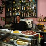 El bar del spot de Ciudadanos es propiedad de un chino que vota a Izquierda Unida https://t.co/V0N7fipDWz https://t.co/9rRgNRgIZE