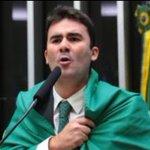 Narcio Rodrigues (PSDB/MG) se embrulhou na bandeira nacional p/ votar impeachment...PF ta agora no ap da familia... https://t.co/ye0cd4UQCB
