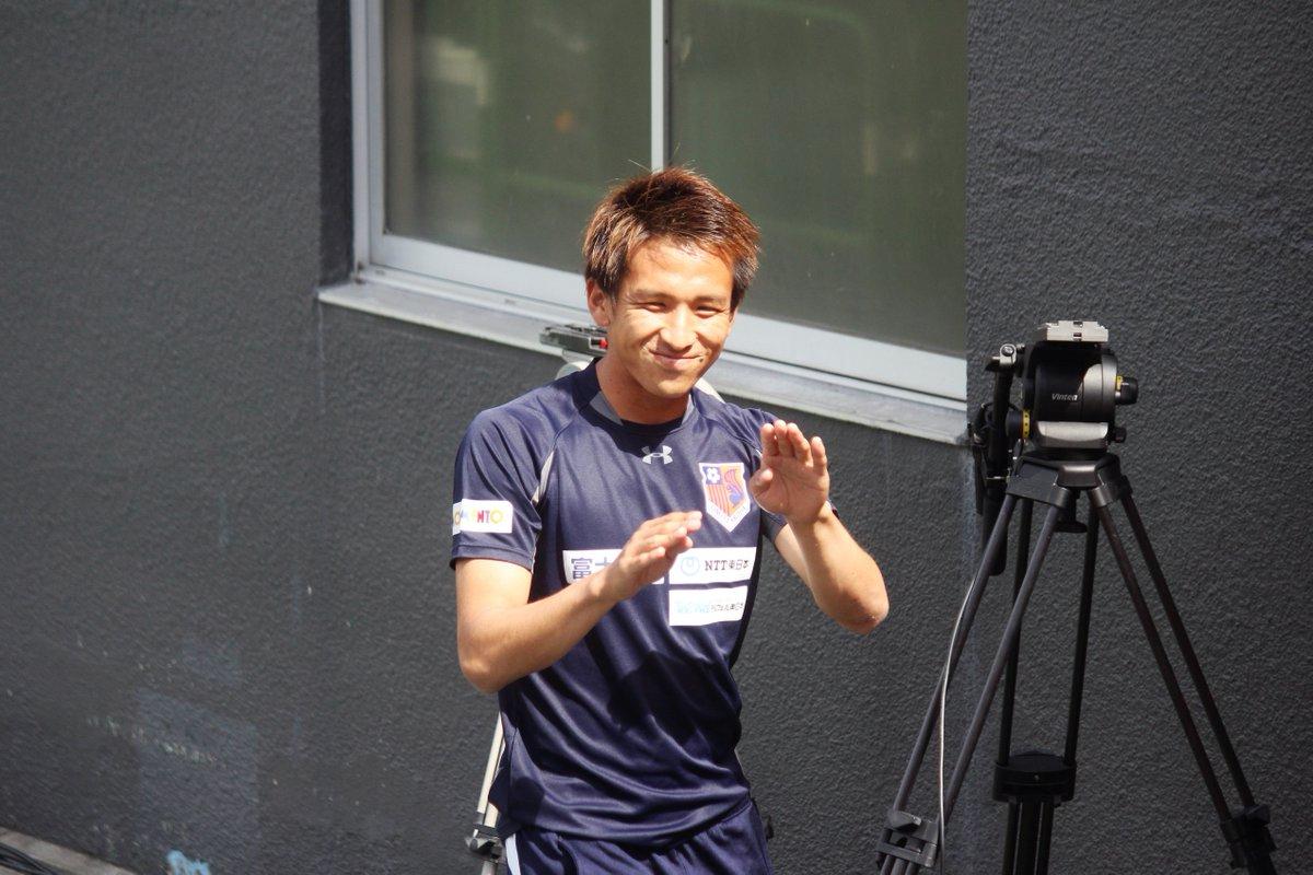 先日、ZIP!の街頭インタビューに一般人として出演してた #5沼田圭悟(※本人に確認済)試合前、ちびっこに「ぬまっちー!ZIP!やってー!」とのリクエストを受けてZIP!ポーズやってましたw https://t.co/01jd6daaiJ
