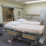Stress op de ambulance: volle ziekenhuizen. 'We hebben nú een bed nodig. Deze man gaat dood' https://t.co/exjfqBXdgd https://t.co/eYlxzBiftC
