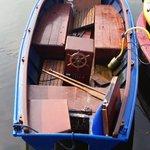 Van wie is deze vlet? @politie_adam heeft hier geen aangifte van en wil deze boot graag terug bezorgen Bel 0900-8844 https://t.co/1FPpaHVWZl