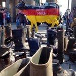 """""""Wir kippen immer mehr aus den Stiefeln"""" - Demo der Milchbauern zum #Milchgipfel #dpareporter https://t.co/jnLTsmGeE9"""
