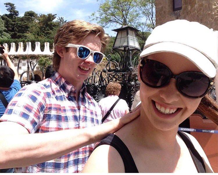 Ziga Jeglic is enjoying vacation with his girlfriend in Barcelona. #VerniSlovanu @khl https://t.co/qB3vkSn0ev