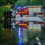 Unwetter-Alarm: Die Feuerwehr musste viermal ausrücken, DWD warnt weiter vor Gewitter: https://t.co/Lj7gcrAb6i https://t.co/RvZg56RuYl