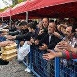 Fetih kutlamasına otobüslerle taşınıp Bir tabak yemeğe muhtaç kişiler Ülke zenginleşti diyor #AKfaşizm @SedefKabas https://t.co/gZzIsl1TXx