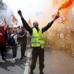 El Gobierno de Francia se enfrenta a otras semana de huelgas y protestas https://t.co/2Jl8zDMX7A https://t.co/2sSMjQjjnD