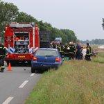 Zwaar ongeval #N374 tussen Schoonloo en Borger, meerdere gewonden. Rijbaan afgesloten. Foto: Van Oost Media https://t.co/QkInn4kB4h