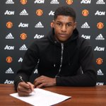Marcus Rashford has signed a new contract with #mufc. Find out more in the club statement: https://t.co/OnOawyMIwD https://t.co/ZoKGKqXKtT