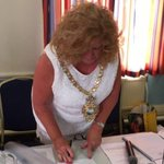 Please all follow new account for lovely Cheryl Little @SatcMayor #stannes new Mayor. Here she is in her chains https://t.co/ttVTmC24AJ