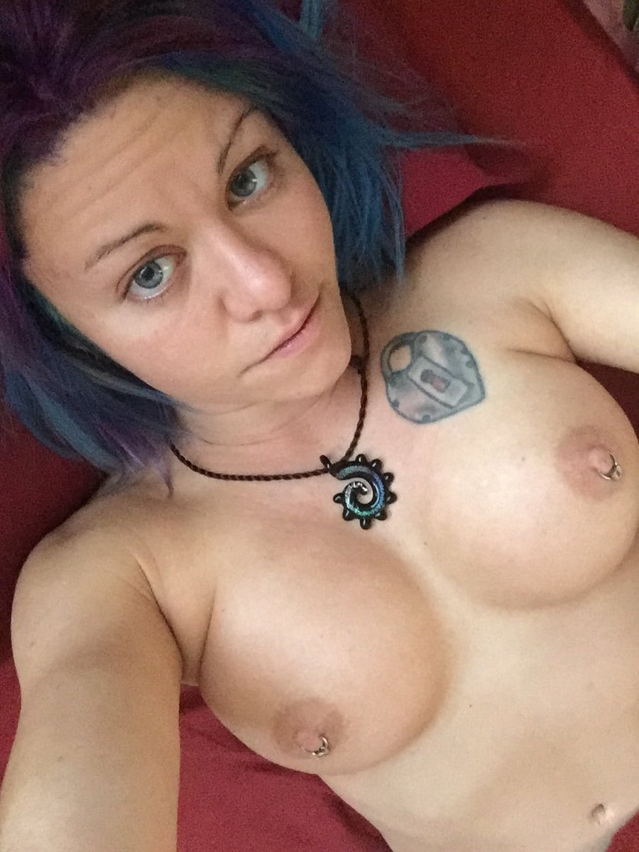 I woke up like this #nofilter #catherinefoxx #boobs eNp0mFDTpt
