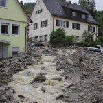 Het Duitse dorp Braunsbach is zwaar getroffen door het noodweer. In beeld: https://t.co/ISZMKnbhvR https://t.co/25V6lSmq9a