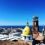 BuenosDías #PuertoVallarta. Este lunes se estima un día con temperatura máxima de 30ºc y mínima de 23ºc. 🌞 https://t.co/6Ft14AdqUL
