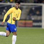 À 19 ans, Gabriel Barbosa a marqué pour sa première sélection avec le Brésil ! Cétait face au Panama cette nuit. https://t.co/NRVSrApwGY