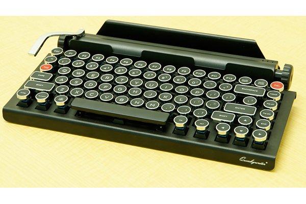 【ニュース】タイプライター風で超レトロなBluetoothキーボード「QWERKYWRITER」が発売。タイプライターに質感の近いCHERRY MXメカニカルスイッチ青軸を採用している。https://t.co/mel2wc6GU9 https://t.co/zkaLKlqLBa