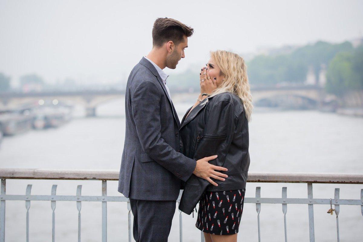 hi fiancée @JeremyMichael22 https://t.co/NtLYvJUUq3 https://t.co/o54HgidBF2