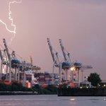Update: Nur eine kurze Pause: Wetterdienst warnt vor weiteren Unwettern in #Hamburg https://t.co/3SHivrhTE8 https://t.co/kGQUosEbkB
