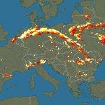 Zeer indrukwekkende lijn met onweer momenteel boven Europa. Volg live via https://t.co/jmMOEyJxAj #onweer https://t.co/LhpFP3cLcY