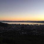 #capetown #sunrise https://t.co/TiEOb2SZ1l