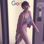 Oggi sono stata nel mondo magico  di Google (dentro hanno il frozen yogurt e puoi servirti da solo🍦😍) GRETA FELICE 🍬 https://t.co/qp5x4R4m9t