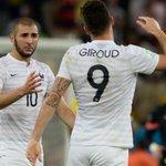 """Les supporters français ont hué Giroud à sa sortie de lhôtel et ont chanté: """"Benzema à lEuro !"""" (@ddubras) https://t.co/e7ch8E3fco"""