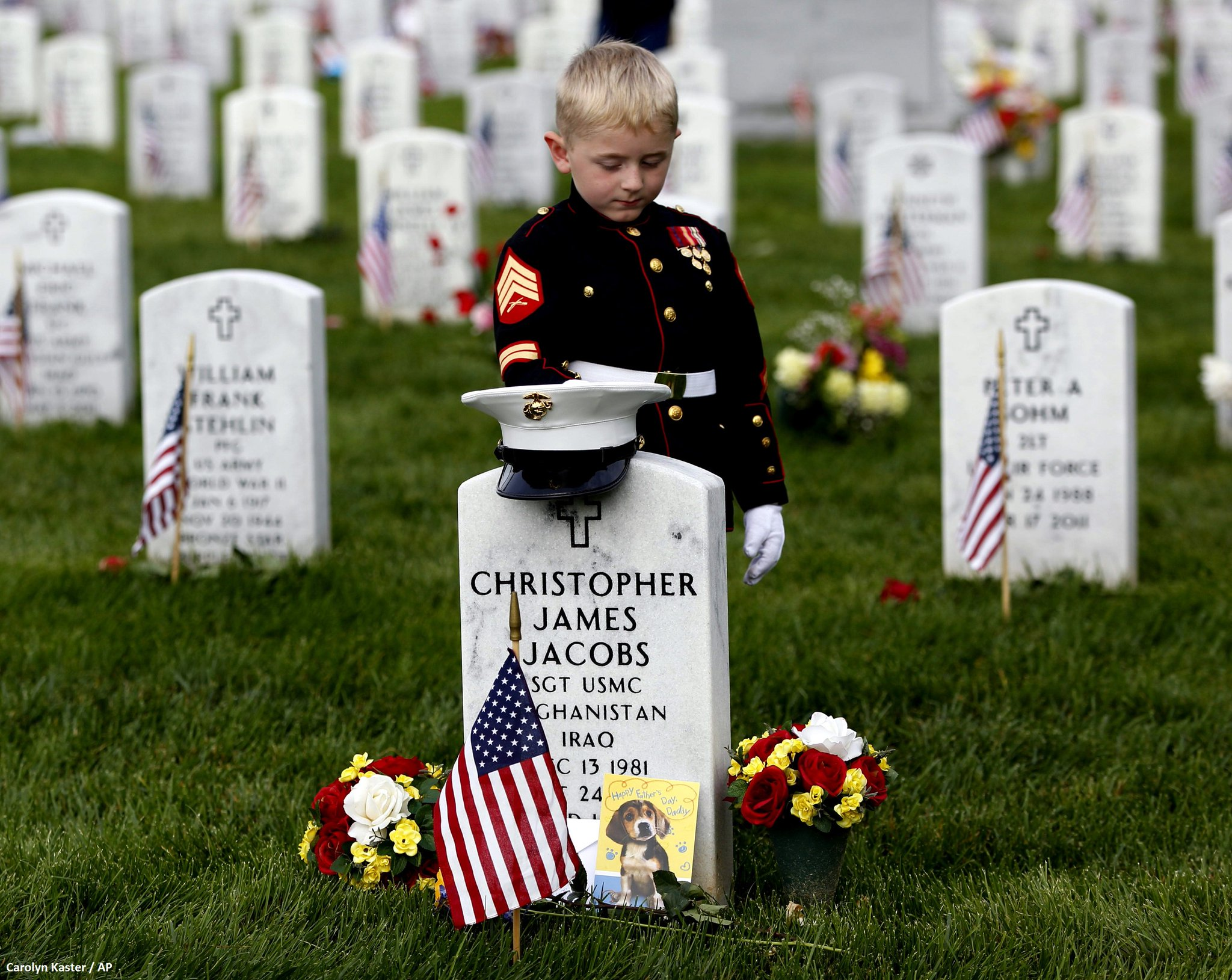 #MemorialDay: Christian Jacobs, 5, stands at the gravestone of his father in Section 60 at Arlington Nat'l Cemetery. https://t.co/5x1O1w4Izb
