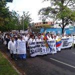 "#VÍDEO Médicos del Táchira: ""No queremos patria, queremos medicina"" #30Mayo https://t.co/f3T2m24f8N https://t.co/B9w4uINzYe"