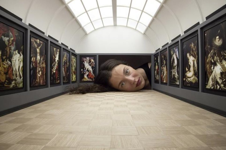 People Stick Their Heads into Miniature Galleries to Become Part of World Famous Art Exhibits , Inst © Tezi Gabunia https://t.co/ywOM1leH4G
