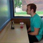 Cómo se siente el comer con alguien que no suelta su celular: https://t.co/0DlyvRJUet