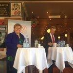 Stinn brakke på #civitafrokost @erna_solberg og @jonasgahrstore #hvavilvimedNorge https://t.co/X63PJMJKKP