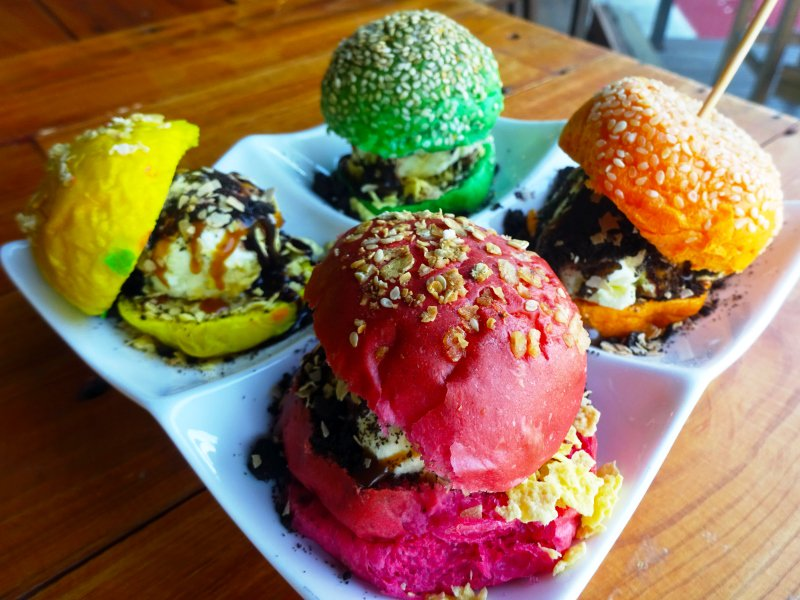 Happy Burger Month! Here's a list of top burger destinations in Malaysia Click to find out @