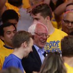 JUST IN: Sanders looks to Warriors for comeback hopes https://t.co/f3o5UstJ45 https://t.co/X6dSgVHejz
