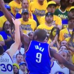 Found why the Thunder lost... Look at the Sonics fan. LOOK AT THE SONICS FAN https://t.co/OLfeElnAc5