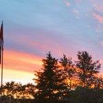 Beautiful #edmonton #sunset #skyporn tonight https://t.co/T6PhAcbQeK