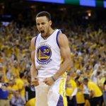Em grande noite de Curry, Warriors vence Thunder e garante vaga na final da NBA https://t.co/KOCNmZspWH https://t.co/9x4TZmw9GF