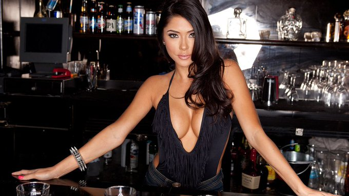 Follows these 6 steps to get the hottest chick in the bar ;) https://t.co/Puq4m7p5DP https://t.co/i3