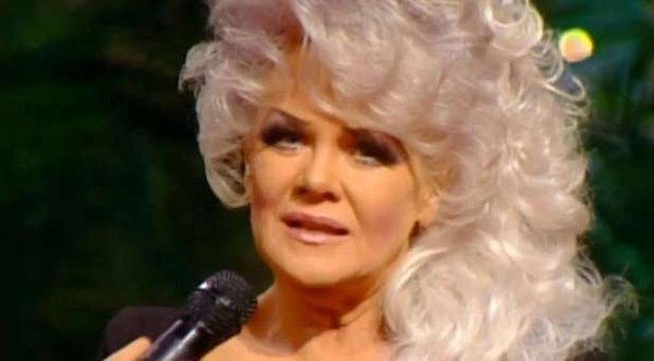 My heart is broken in several different ways.MY dear FRIEND..JAN CROUCH has passed away. PRAY for the crouch family https://t.co/FRyWyRgKxG