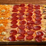 YAA!! #SORTEO!! Haz RT de este tuit y síguenos! ;) Gana una pizza gigante GRATISSSS! Hasta las 22.30! https://t.co/Ednl10dHOi