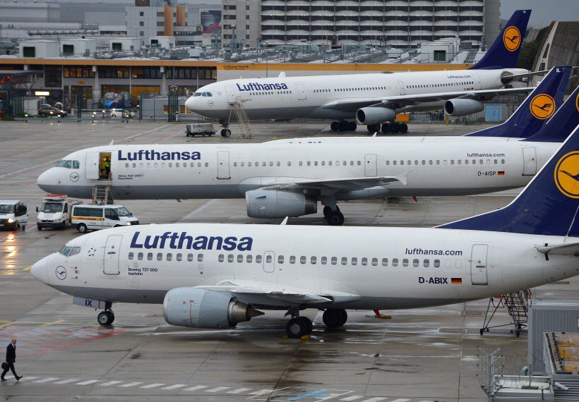 Lufthansa Says Venezuela Owes It More Than $100 Million