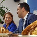 Ak Parti İl Başkanı Rıza Sümer ve Antalya Milletvekili Gökçen Özdoğan Enç simitli kahvaltıda gündemi değerlendiriyor https://t.co/LevNqipxPC