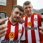 Sunderland brothers avoid @StadiumOfLight ban - one immediately orders #SAFC season ticket https://t.co/8iNNWYiVX7 https://t.co/jND7MjwZnC