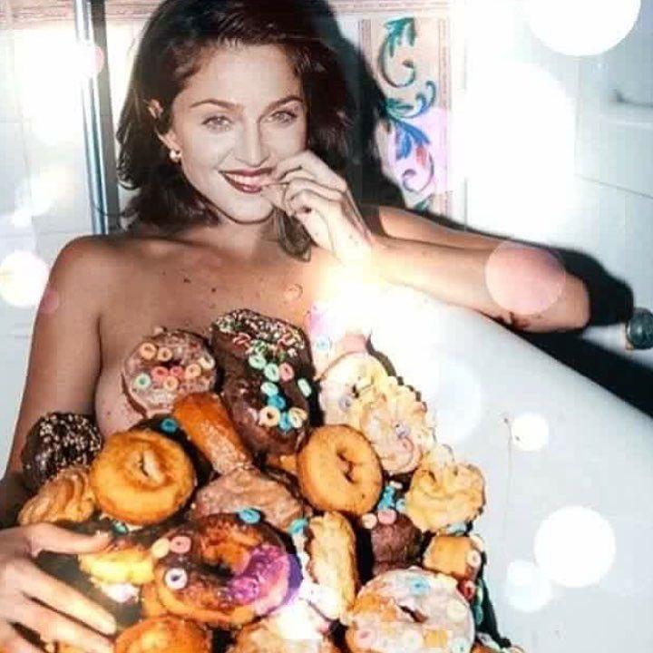 Still Deserve Donuts! ???????????????????????????? https://t.co/XkQtLRHgcG