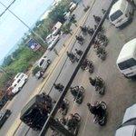 #JarasScoop :في مشهد ملفت،عشرات من عناصر الجيش اللبناني يقودون الدراجات النارية مع كامل تجهيزاتهم في شوارع #طرابلس https://t.co/tzVRzJkV4x
