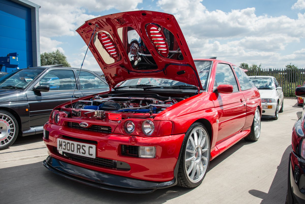 24 years today the Ford RS Cosworth was released onto the market! #cosworthpower https://t.co/pN1NJsjaSn