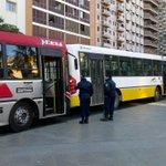 Colectivos, remis, taxis y transportes escolares reciben control en Plaza Vélez Sarsfield. [Móvil] @LeopoRivarola https://t.co/opDuhzDITy