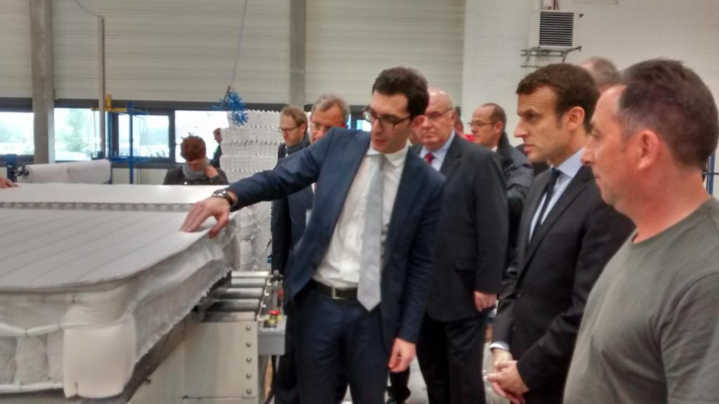 Emmanuel macron va devenir incollable sur la fabrication de matelas simmons macron - Fabricant de matelas francais ...