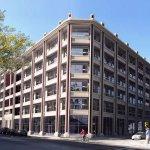 #PorAmorAlArte Éste es el edificio de Macri que no paga impuestos gracias a una ley de Macri https://t.co/9cs1r0BYlL https://t.co/d3O1RANXZW