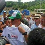 Nada detiene a la #RevoluciónCiudadana, ahora el compañero Pdte.@MashiRafael recorre albergue en #Jama #GarraManaba https://t.co/purKkWI2G3